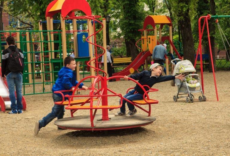 игровые элементы детской площадки